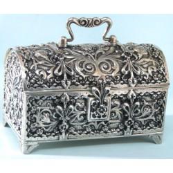 Posrebrzany kuferek na biżuterię w starym stylu - dla Mamy, Żony